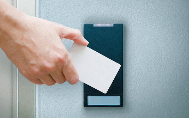 Webcam Center Column Card Reader